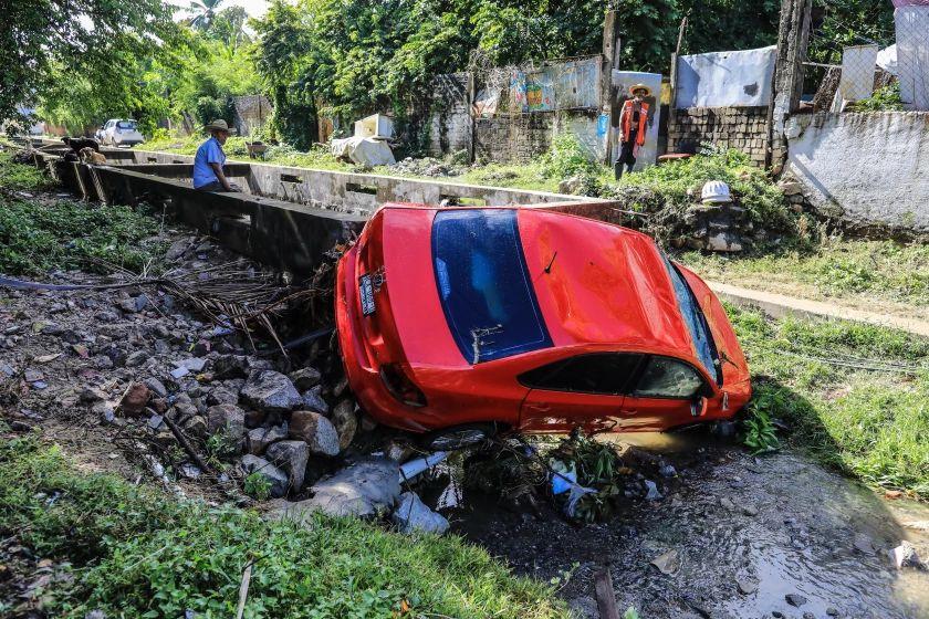 México emite alerta por posible llegada de huracán en costas del Pacífico