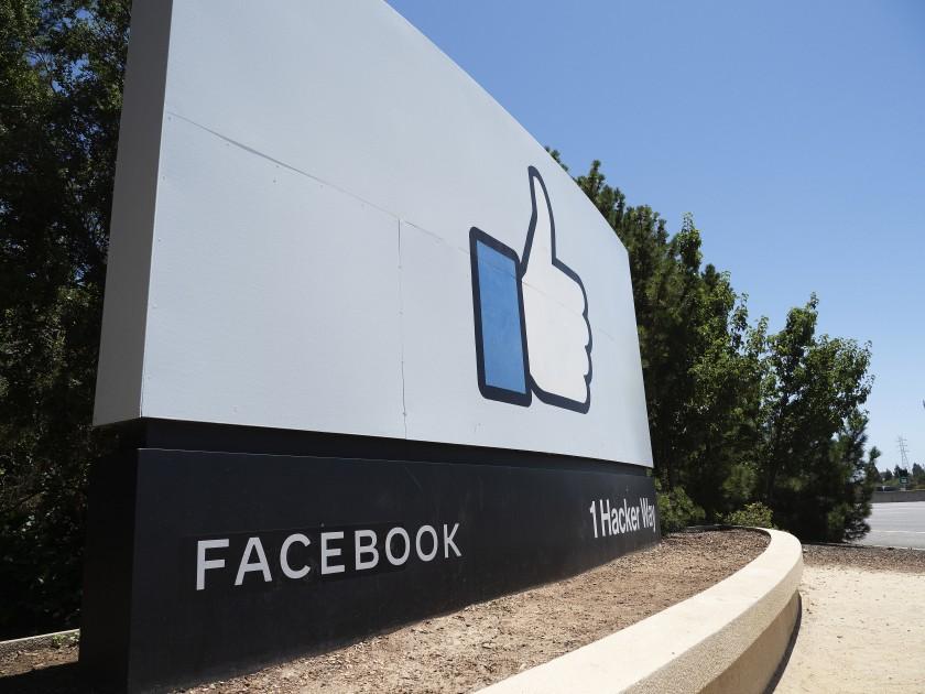Grupo latino UnidosUS corta sus vínculos con Facebook y le devuelve donación