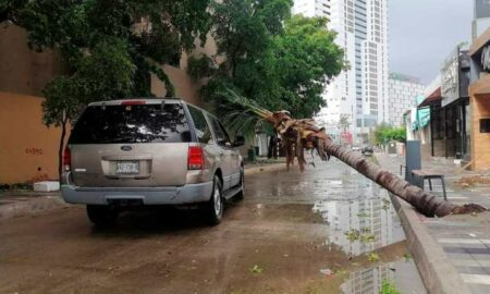 Huracán Pamela toca tierra en México con intensas lluvias y daños menores