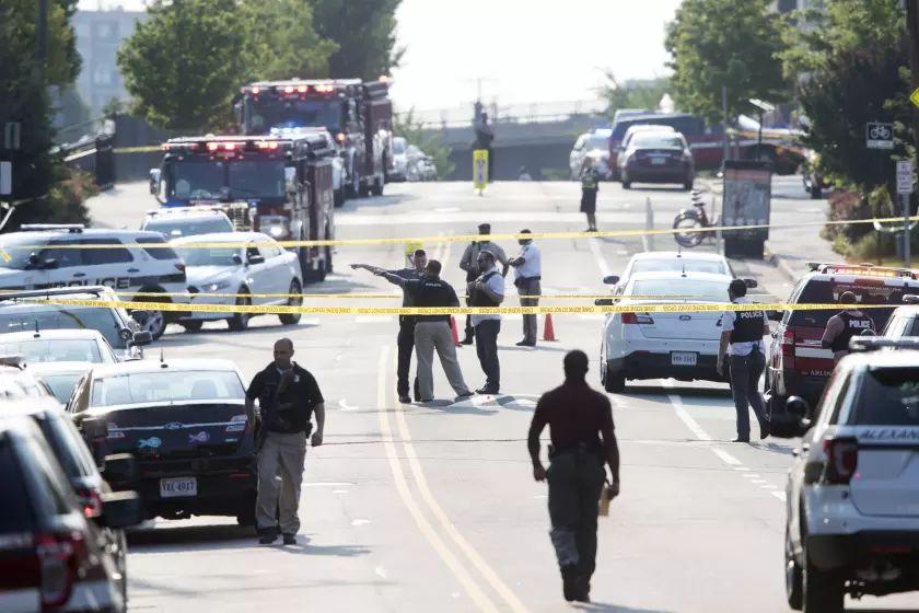 Una mujer muerta y al menos 14 heridos deja un tiroteo en un bar en EEUU